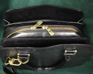 "Authentic ""Louis Vuitton"" Black Leather Epi Pint Neuf MI I020 Purse  Auction Estimate $500-$1000 – Located Glassware"