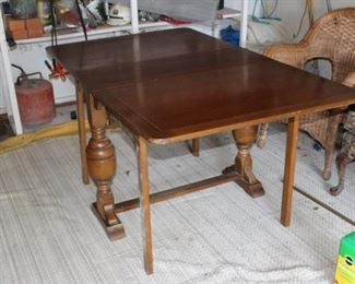 drop-leaf, gate-leg dining table, solid wood