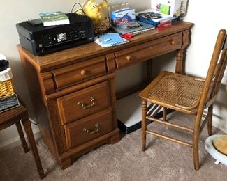 Nice size desk