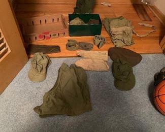 WW2 Baret/Hats/Belts