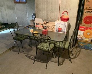 Outdoor table W/ 6 Chairs