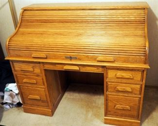 "Oak Crest, Solid Oak Roll Top Desk With 14 Drawers, And Mail Sort, 46"" x 53"" x 29"", Includes Key,"