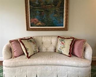 Matching sofa to the loveseat in the next photo