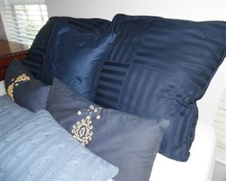 King size comforter set with bed skirt and all pillows