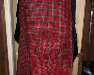 Beautiful large round plaid  - great for Christmas - table cloth with black velvet border