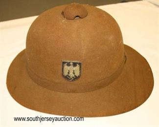 Lot 25: Afrika Korps Pith Helmet Army