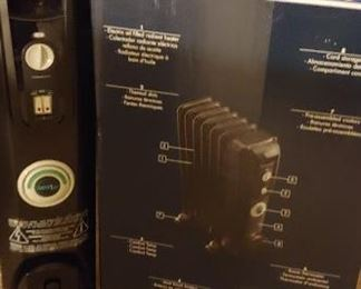 NIB Delonghi radiator heator.