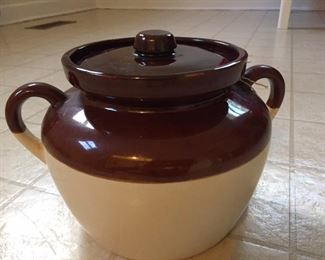 #343 McCoy bean pot or cookie jar