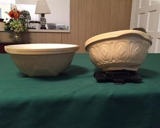 """""""Gripstand"""" bowls made in England"""
