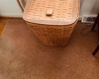 Longaberger Basket Hamper-hinged lid