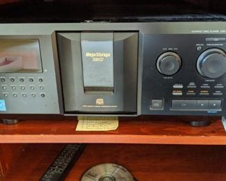 SONY Compact disc player CDP-CX355 Holds 300 cd's