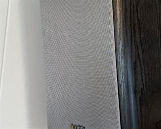 Infinity Primus P162 pair of speakers