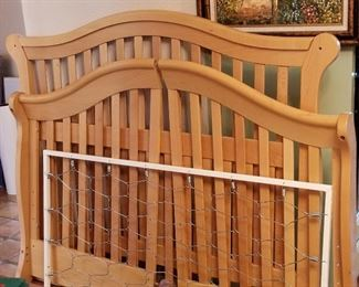 Baby convertible crib to child's bed. Made in Italy.
