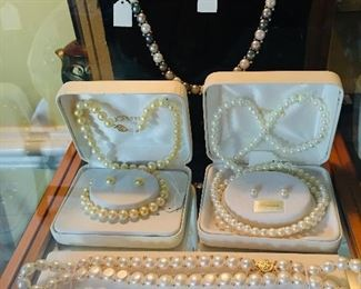 Assorted Pearl Necklace Sets