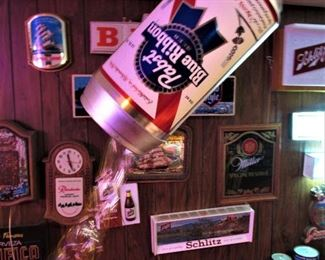 Ultra rare Pabst electric pouring can display