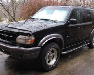 1999 Ford Explorer XLT Low Miles