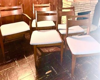 Total of 6 mid century dining chairs