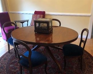 Ethan Allen dining table with three leaves