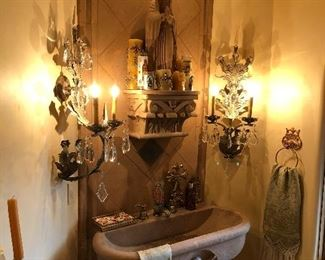 Everything is for sale sink mirror lighting amazing & gorgeous.