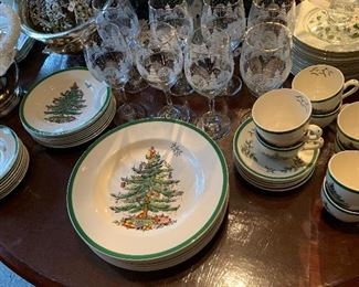 Spode Christmas Tree 8 place settings