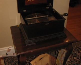 Stella crank music box with disc