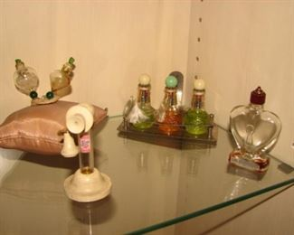 """Vintage Perfume Bottles, Robinson, Pickwick Cosmetic, """"Flowers of the Morning"""""""