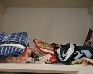 kitchen towels, aprons