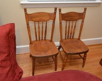pair chidl's chairs