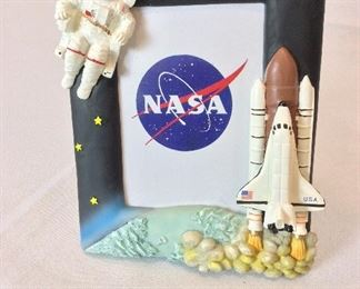"""NASA Space Shuttle Picture Frame, 5""""  x 7""""."""