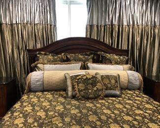 https://www.ebay.com/itm/123998496082 BG0003: Traditional Arched Back King Size Bed Frame $499 Local Pickup