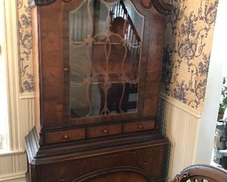 MATCHING ANTIQUE WOOD CABINET