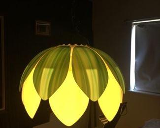 Hanging petal lamp