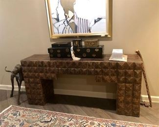 Gorgeous entry table