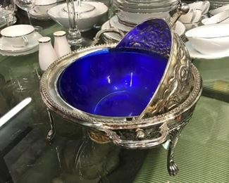 Silver plated server with glass insert