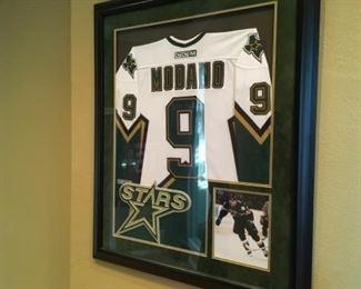 Signed Mike Madano hockey photo