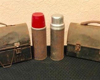Vintage Lunchboxes https://ctbids.com/#!/description/share/292001