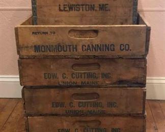 Vintage Boxes https://ctbids.com/#!/description/share/292014