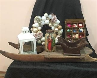 Assortment of Christmas Items https://ctbids.com/#!/description/share/292074