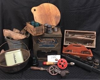 Various Antique Items https://ctbids.com/#!/description/share/292108