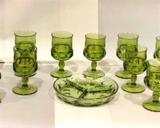 Vintage Serving Dish and Glasses https://ctbids.com/#!/description/share/292123