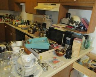 this  is a full kitchen