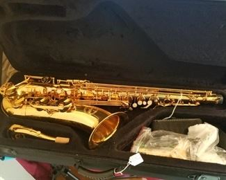 Tenor Sax christopher Elliot Reeds and case