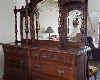 Victorian Mahogany Sidebar