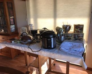 Kitchen aid and small kitchen appliances