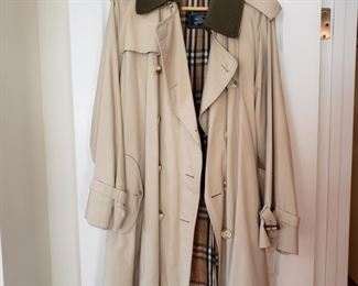 Burberry raincoat with lining