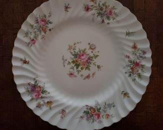 """18 Mintons """"Marlow"""" dinner plates"""