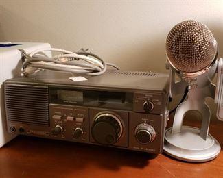 Kenwood R600 receiver short wave radio and a Blue Microphone Yeti Studio USB