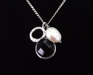 .925 Sterling Silver Pearl and Onyx Artisan Pendant Necklace