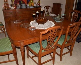 Mount Airy dining room table and 6 chairs with three leaves and pad covers