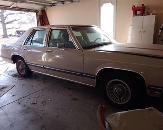 1991 MERCURY GRAND MARQUIS LS......1 OWNER 60,900 MILES, NO VISIBLE RUST, CAR HAS NOT BEEN DRIVEN SINCE 2014.  TIRES WERE NEW AT THAT TIME.  WELL MAINTAINED & GARAGED